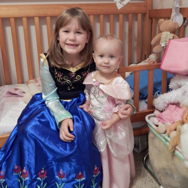 I have 2 little princesses who are very excited for Halloween! Might need to buy Sleeping Beauty a wig :) #halloween #toddlerstyle #babiesofinstagram #babyliese #kidsofinstagram #Frozen #Anna #sleepingbeauty #kidscostumes